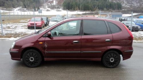 Baie ulei Nissan Almera Tino 2003