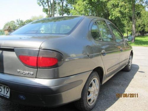 Vindem Releu incarcare Renault Megane 1998