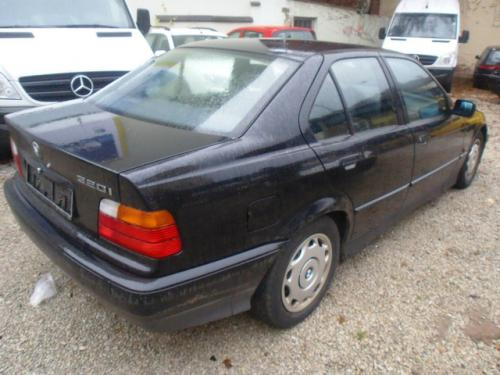 Vindem Vascocuplaj BMW 318 1996